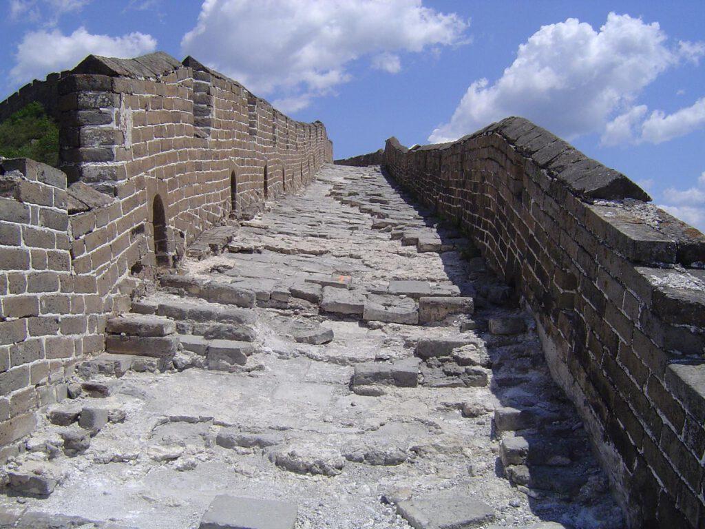 Ziemlich unwegsam die Große Mauer