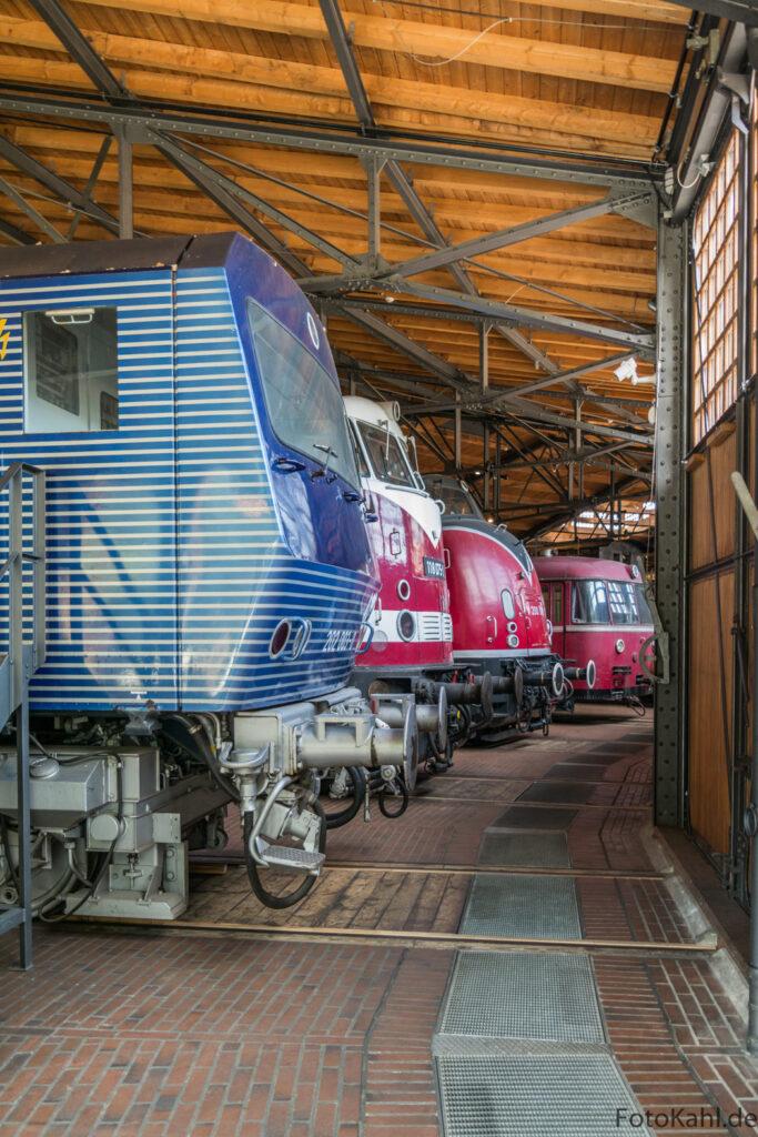 Lokomotiven in Originalgröße - überwältigend!