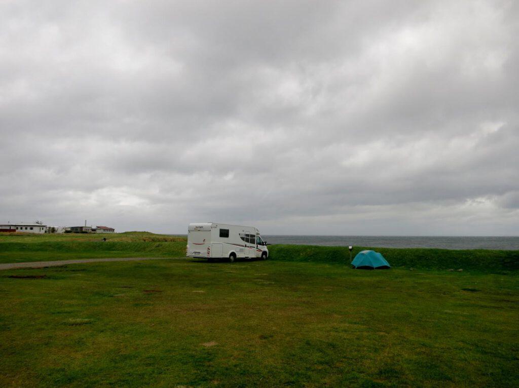 Camping in Akranes direkt am Wasser
