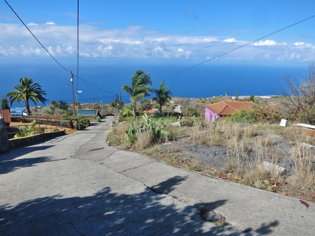 Straße runter zur Schmugglerbucht bei Tijarafe / La Palma