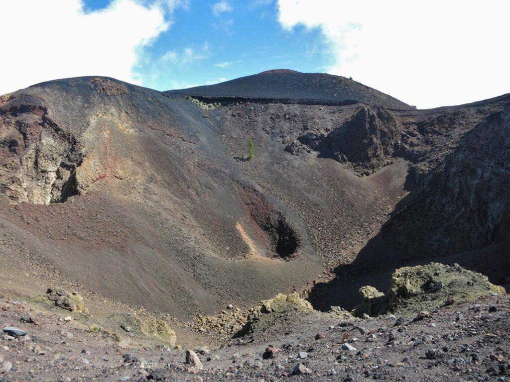 ein weiterer Vulkankrater