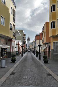 Straßenflucht Candelaria mit Blick auf die Basilika